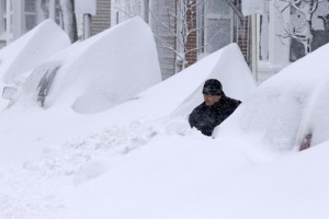 Blizzard-buried-cars-SouthBoston-09Feb2013